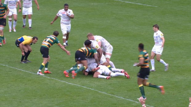 Aviva Premiership - Big hit from Jacques Burger