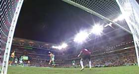 Harry Kewell buries a clinical header in the Caltex Socceroos win over Iraq in Brisbane in 2008.
