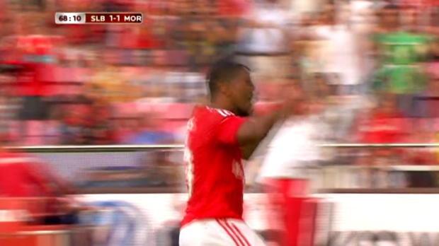 Belle victoire pour Benfica dimanche face à Moreirense à Lisbonne (3-1) mais surtout but magnifique d'Eliseu, qui a inscrit son deuxième but en cinq matches avec le club lisboète.
