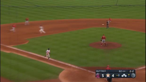 Astros take lead on error in 8th
