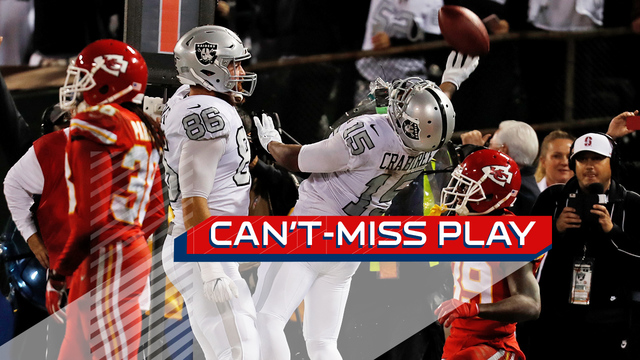 Can't-Miss Play: Derek Carr finds Michael Crabtree with no time on the clock, ties game after goal-line chaos