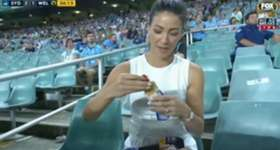 Fox Sports presenter Tara Rushton had an unfortunate accident with an exploding sauce packet at Allianz Stadium on Thursday night.