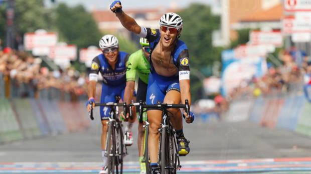 Giro de Italia - Matteo Trentin se estrena