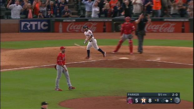 Altuve's 2-run home run