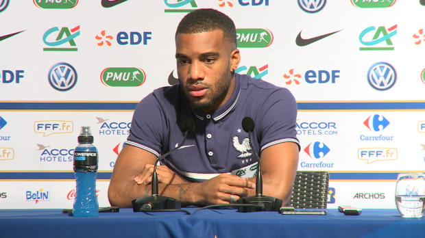 Convoqué en équipe de France suite à la blessure d'Olivier Giroud, Alexandre Lacazette a pour ambition de prouver qu'il mérite mieux qu'une place de suppléant en attaque.