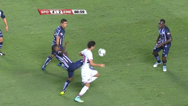 Ganso a une nouvelle fois fait l'étalage de sa technique avec Sao Paulo, lors du quart de final aller de Copa Sudamericana jeudi soir contre Emelec (4-2).