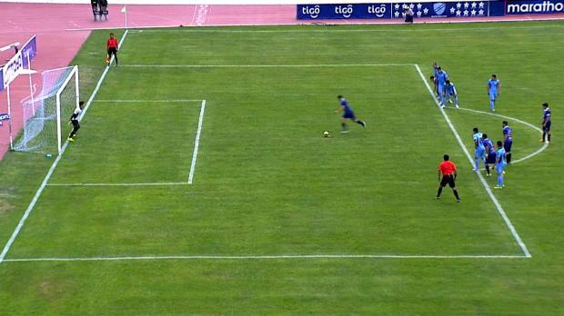Sergio Almeron, le buteur de Blooming a signé une Panenka, toute en délicatesse sur pénalty, lors de la victoire en Bolivie de sa formation face au Bolivar 4-3.