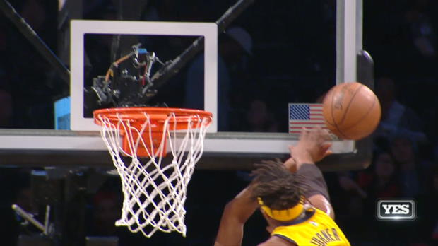 Block of the Night: Myles Turner
