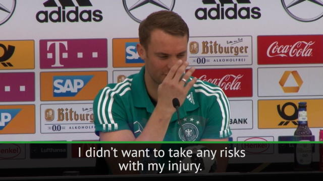 Neuer's reflexes by fly during presser Thumbnail