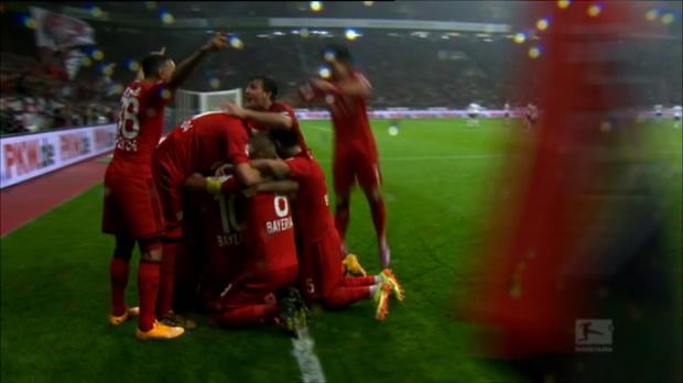 Le beau geste de ce week-end en Bundesliga , c'est le magnifique coup de franc tiré par le milieu du Bayer Leverkusen, Hakan Calhanoglu, lors de la victoire contre Schalke 04, 1-0. C'est le second but cette saison pour le jeune prodige allemand, âgé de 20 ans, qui a rejoint Leverkusen cet été en provenance du Hamburger SV, pour la somme de 15,5 millions d'Euros.