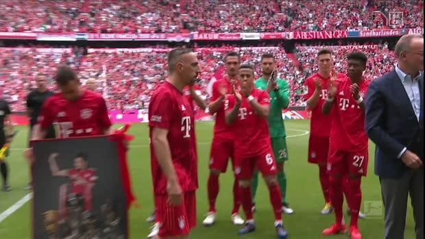 Ribery mit Tränen bei der Ehrung vor dem Spiel | Bundesliga Viral