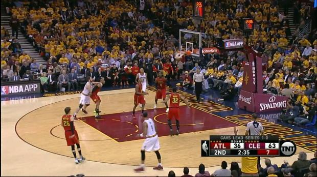 Basket : NBA - L'action qui tue - J.R. Smith et les Cavs arrosent à trois points !