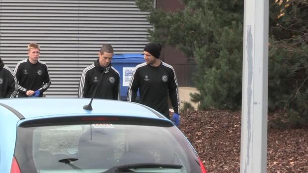 L'Espagnol Fernando Torres, a quitté les Blues et la premier League pour rejoindre en prêt le club de l'AC Milan en Serie A. Le jour de l'annonce de l'officialisation de son départ, son entraîneur à Chelsea José Mourinho, avait laissé entendre qu'un départ ne dépendrait que de la décision de l'attaquant.