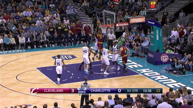 WSC: LeBron James posts 32 points, 11 assists vs. the Hornets