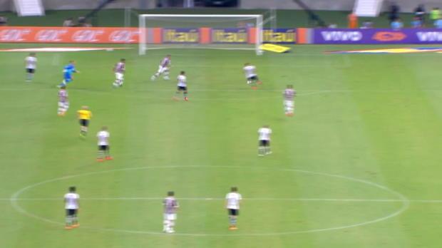 Brasileirao: Ex-FCB-Star am leeren Tor vorbei