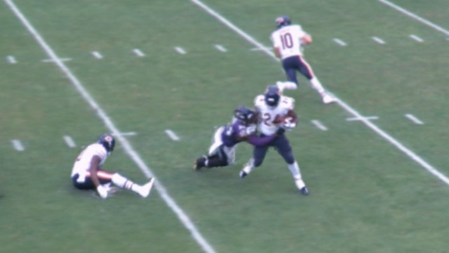 freeD: Terrell Suggs tackles Jordan Howard for a 7-yard loss | Week 6