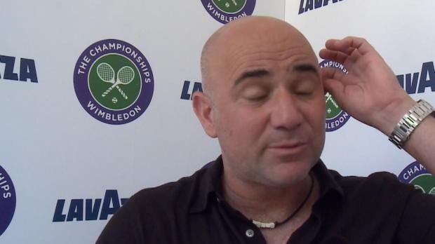 Wimbledon: Agassi wehrt sich gegen McEnroe