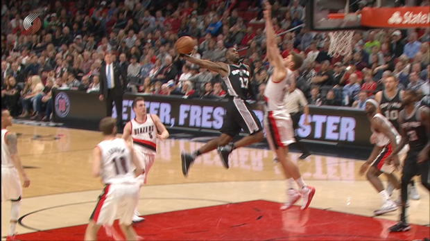 Dunk of the Night - Jonathan Simmons