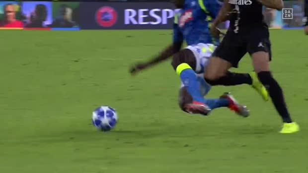 Koulibaly mit perfekt getimter Grätsche gegen Mbappé   UEFA Champions League Viral