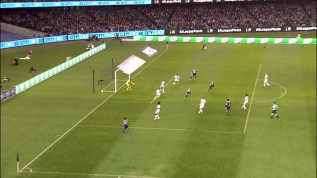 A-League: Traumtor im Melbourne-Derby