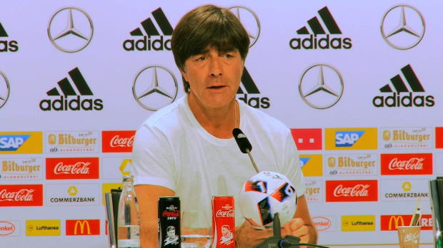 "EM 2016: Löw: ""Podolski ist Gold wert"""