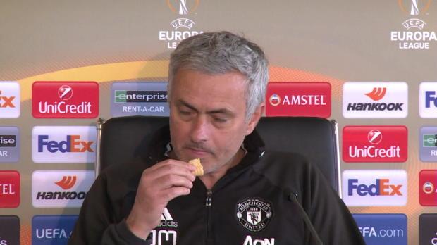 Naschkatze Mourinho: Keine Zeit zum Antworten