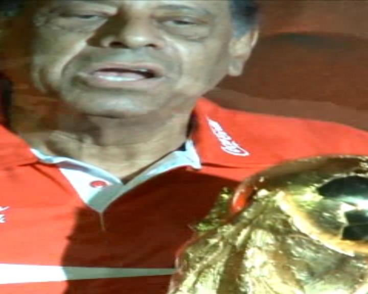 كرة قدم: عام: وداعا كارلوس ألبرتو