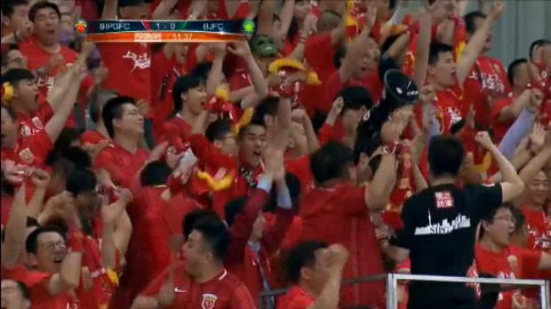 لقطة: الدوري الصيني: نجم هولك وأوسكار يسطع خلال فوز سيبج الكاسح أمام غوان