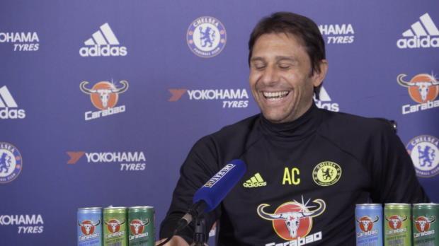 """Conte scherzt: """"Als Trainer muss ich spielen"""""""
