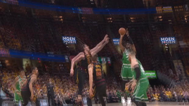 Dunk of the Night: Aron Baynes