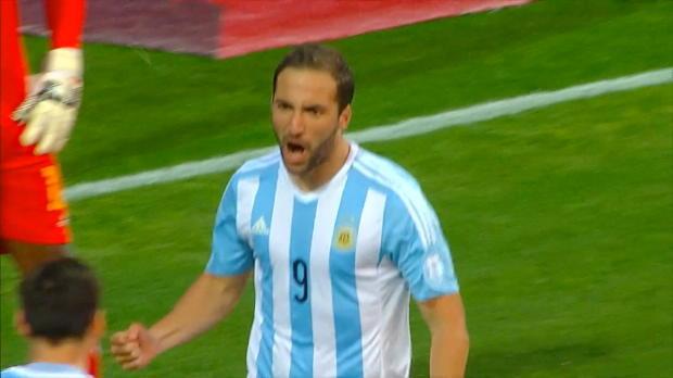 Copa America: Higuain rettet Messi-Jubiläum