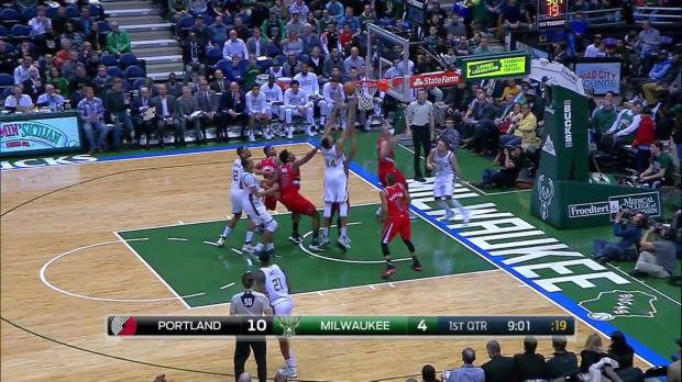 WSC: Giannis Antetokounmpo posts 15 points, 11 assists & 12 rebounds vs. the Trail Blazers, 12/7/2016