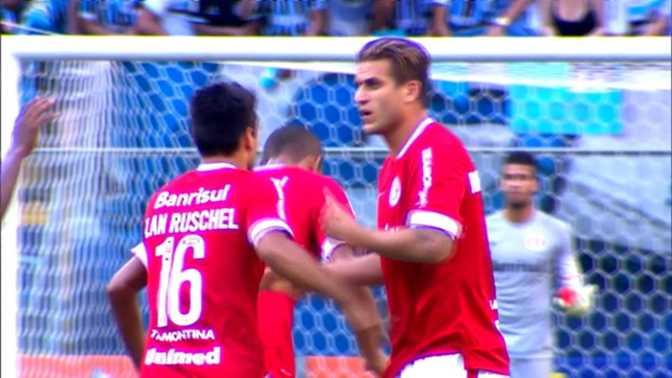 Rafael Moura sauve l'honneur avec un bijou