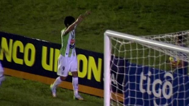 Foot : Video - Football : Le Cristiano Ronaldo de Bolivie