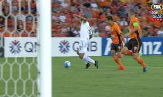 Brisbane Roar kicked of their AFC Champions League campaign with a 0-0 draw against Muangthong United on Tuesday night.