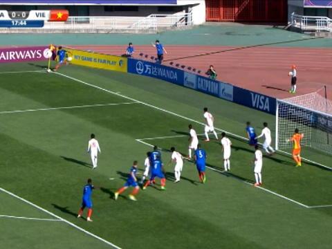 لقطة: كرة قدم: بطولة العالم دون 20 عاما: نجل ليليان تورام يسجّل هدفا لفائدة فرنسا