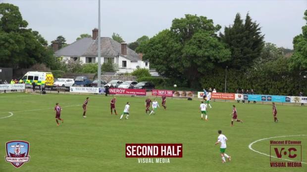Irland: Irrer Treffer! Torhüter mit Blackout