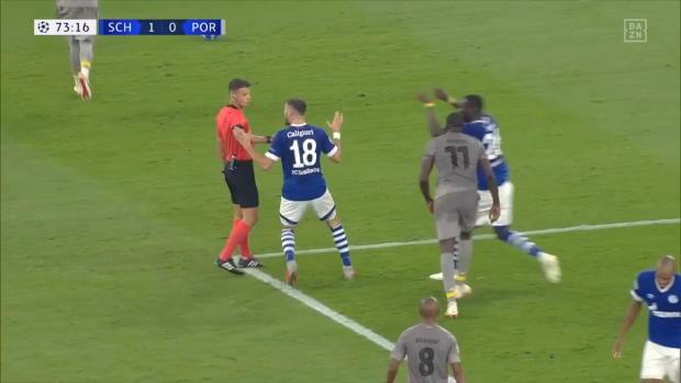 UEFA Champions League: S04 im Pech! Ist das ein Elfmeter?