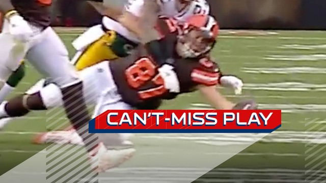 Can't-Miss Play: Seth DeValve makes incredible one-handed diving grab