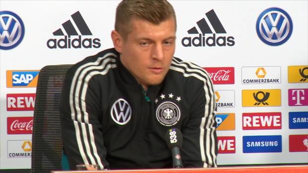 "Video: Kroos über Oranje, ""Traktor""-Kritik und FCB-Trio"