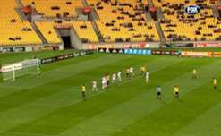 Michael McGlinchey scored a mesmeric free-kick to put Phoenix on level terms with Roar.