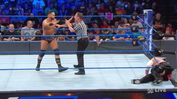 Tye Dillinger struggles to score a perfect 10 against Samoa Joe: SmackDown LIVE, July 17, 2018