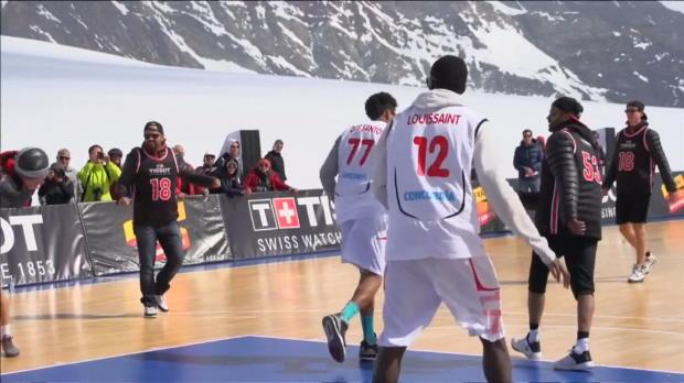 Basket : FIBA - Spurs - Parker se transforme en basketteur des neiges