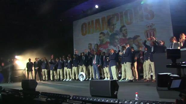 Ligue 1 - El Mónaco celebra el título con los aficionados