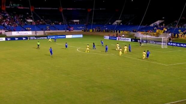 Foot : Video - LdC CONCACAF : Trois buts en 124 secondes