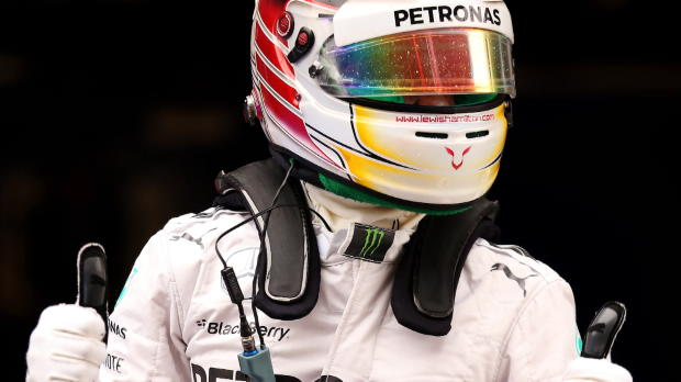Hamilton takes pole in China