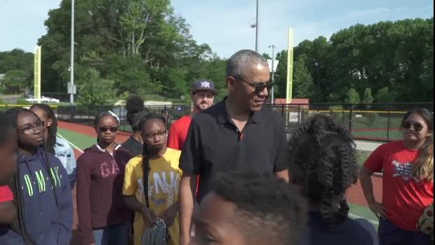 Softball - Barack Obama dévoile une certaine faculté pour ce sport