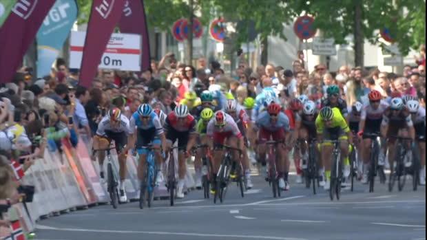 Heimsieg! Ackermann gewinnt Frankfurt-Klassiker