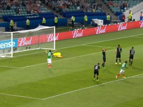 لقطة: كأس القارات: خيمينيز يعادل الكفّة للمكسيك أمام نيوزيلندا بتسديدة خلابة