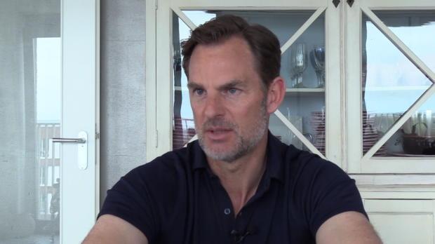 "De Boer: El Clasico? ""Barca mehr Charakter"""